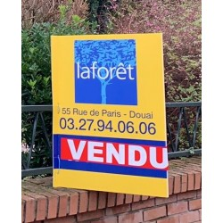 Drapeau Laforêt 800 x 1200 mm Recto